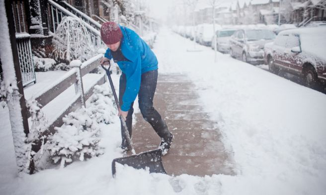 7-snow-shoveling-tips-to-keep-from-dying